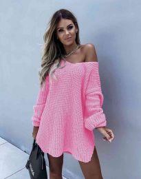 Ефектна дамска свободна плетена туника с голо рамо в розово - код 2975