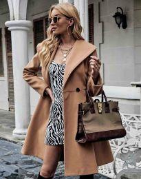 Елегантно вталено дамско палто в цвят капучино - код 3908