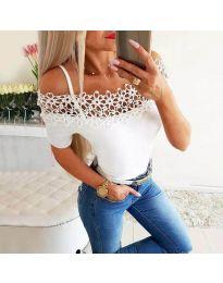 Атрактивна дамска тениска с дантела в бяло - код 3912