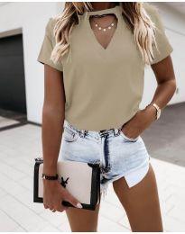 Дамска изчистена тениска в бежово - код 3597