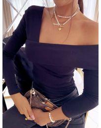 Атрактивна елегантна вталена дамска блуза с голо рамо в черно - код 5343