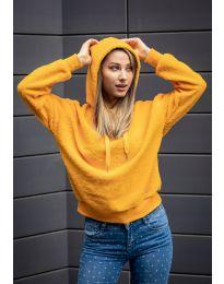 Kapucnis pulóver - kód 6352 - 2 - mustár