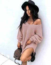 Дамска свободна плетена туника с голо рамо в цвят пудра - код 2975